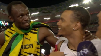 bolt-congratulates-andre-de-grasse-after-100m-bronze